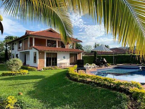 Casa con piscina privada