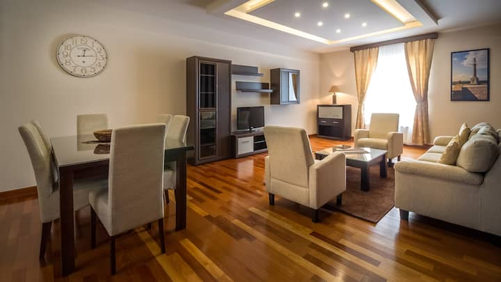 Aparthotel FeelBgd - 2 bedroom Deluxe with terrace