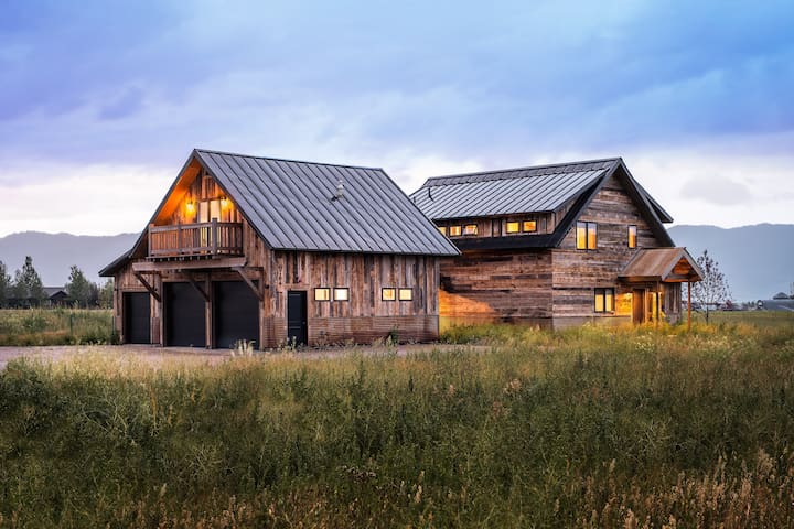 Beautiful 5 BR Vacation Home in Victor, ID- CANCELLATION SPECIAL