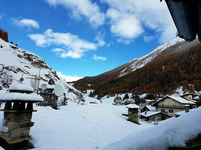 Tipica abitazione Valdostana - La Thuile - Leilighet