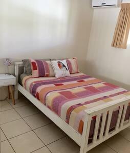 Queen Bed,  close to CBD - Stuart Park - Apartment