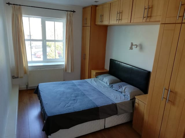 Private Double bedroom with ensuite in Bandon