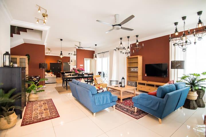 Moroccan Mediterranean House -The Duyong Dream