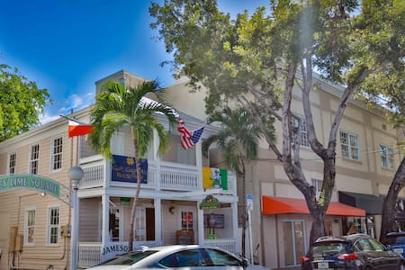Key West Suites Hotel -Adam Scott Rote Suite #203