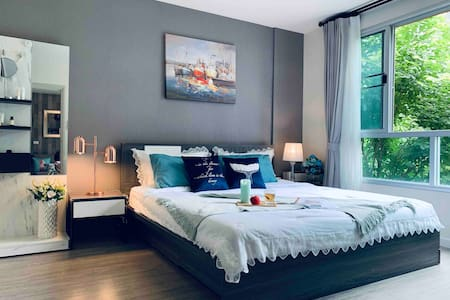 2 BR Dcondo Ping POOLVIEW 3mins walk Central 豪华两房