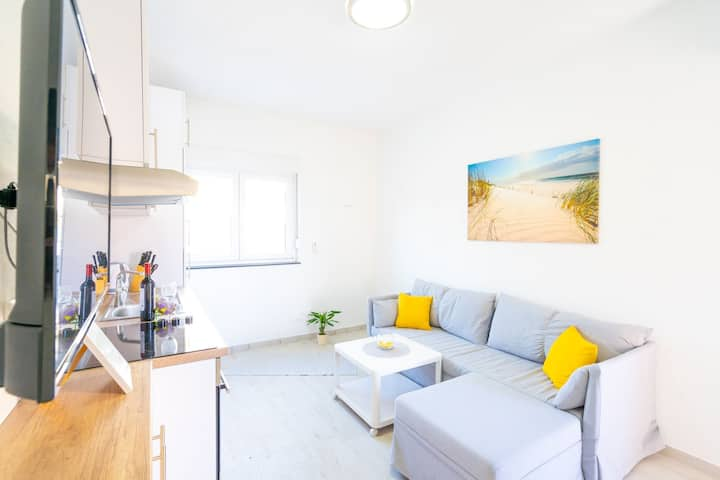 Cosy apartment just near the beach