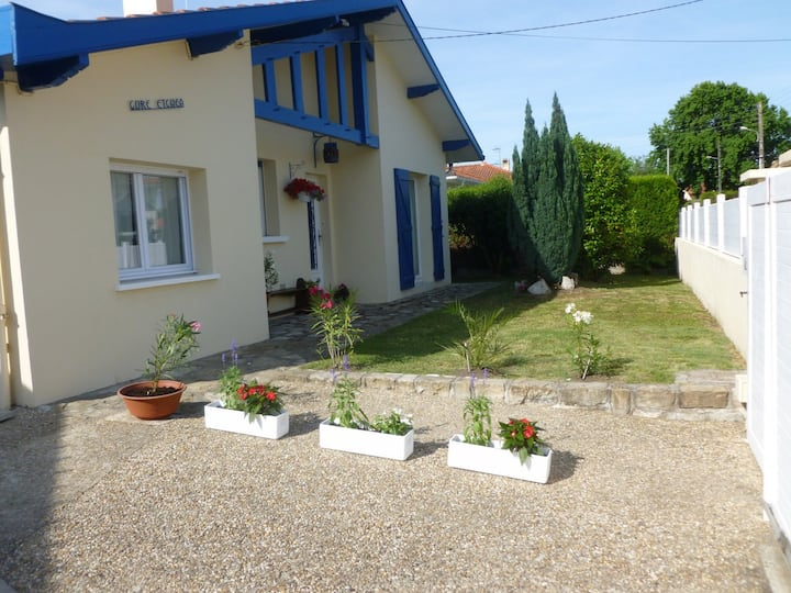 Maison au pays basque , jardin /  proche plages