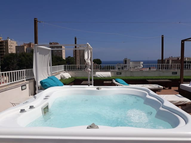 Two-Bedroom Suite, 150m from the Beach in Palma