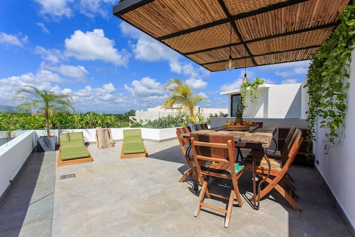 Tulum Apartment With Private Rooftop With Pool