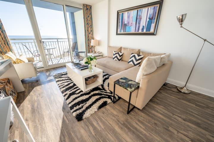 ⭐ Modern 8th Floor, Direct Oceanfront, Nice Decor!