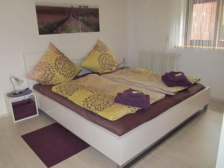 Ferienwohnung Bambusgarten, (Mössingen), Ferienwohnung Bambusgarten, 60qm, Terrasse, 1 Schlafzimmer, max. 2 Personen