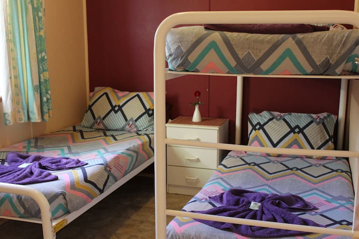 Cuttlefish 2nd bedroom. One bunk, one single bed supplied with all linen. Extra pillows.