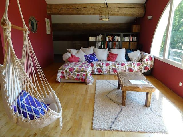 Chambre, salon mezzanine avec vue, bain nordique