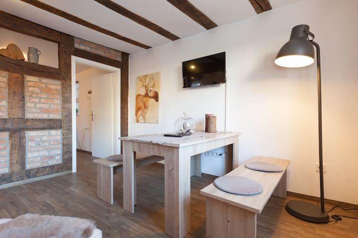 ausspannen im Weindorf im Fachwerkhaus von 1772 - Wallhausen - Appartement