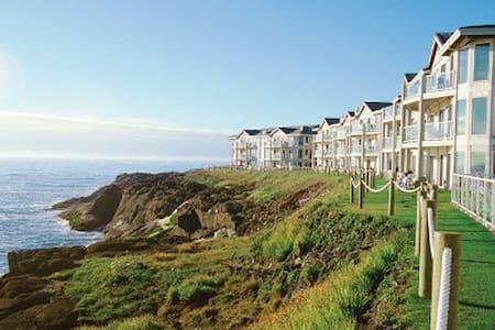 Beautiful Worldmark Depoe Bay Oceanfront unit ! - Depoe Bay - Kondominium