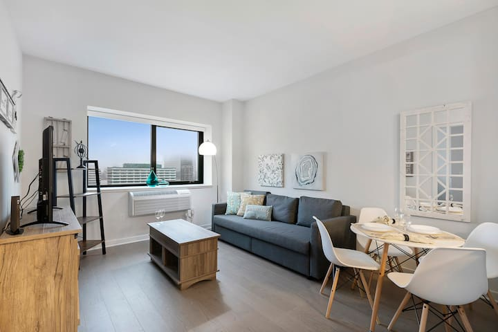 Brand New 1 Bedroom Apt with New York City views