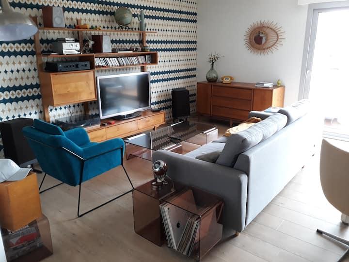 duplex 90 m2 avec terrasse . Ambiance chaleureuse