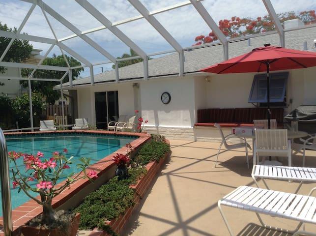 St. Armands Circle, close to beach, - Sarasota - Hus
