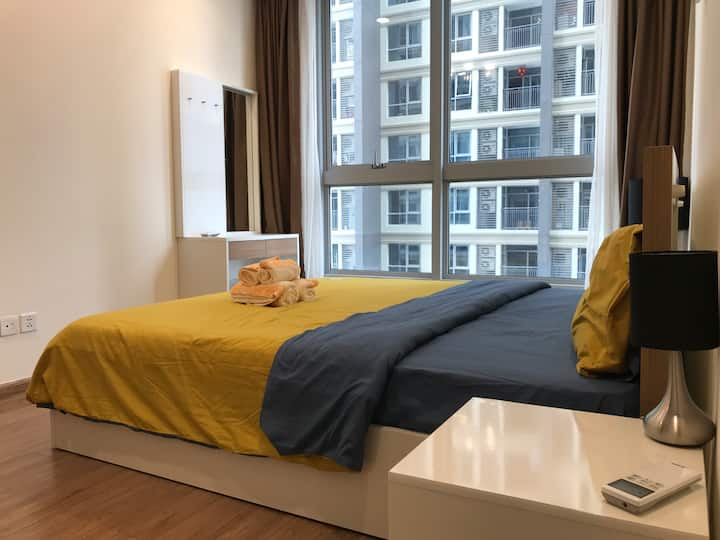 Cozy 1 BIG BR Condo@Central Park in HCMC 2km to D1