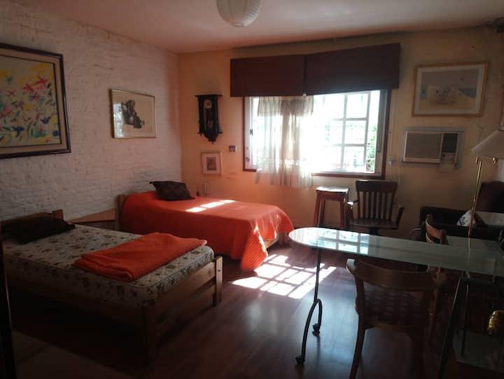 Habitación muy espaciosa, posible para 2 personas.