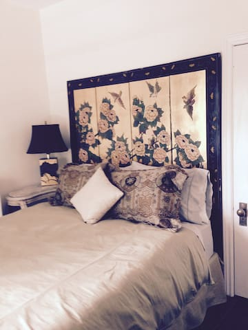 Beautiful mansion, downtown Guelph - Guelph - Flat