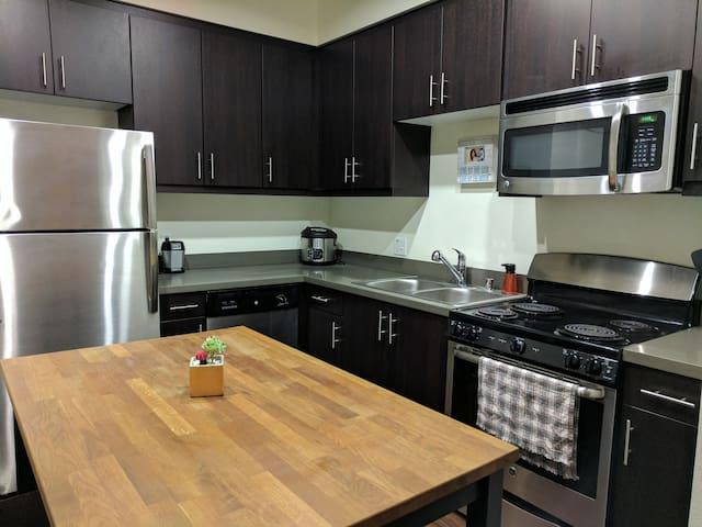 Private Comfortable Apt Close to Cal Poly Pomona - Pomona - Apartemen