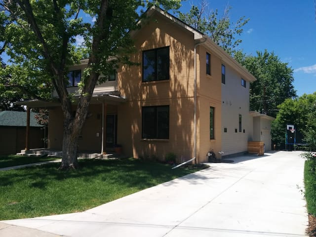 Modern 5 bedroom in Denver's top neighborhood