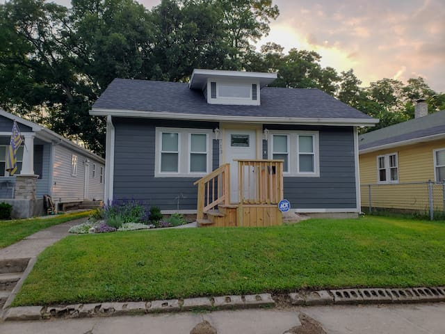 Newly renovated 3 bedroom house .5 miles from ND