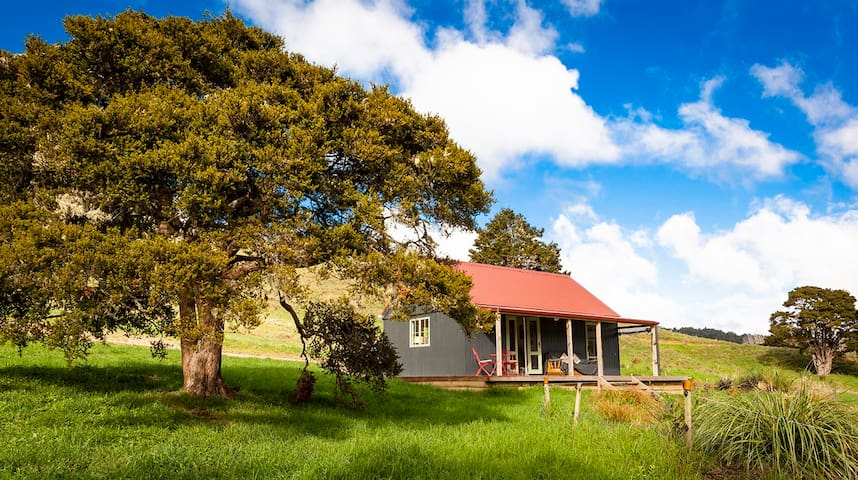Sweet Valley Hut-Kōmanawa