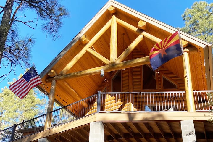 Lucky Star Bunkhouse in the Ponderosa Pines!