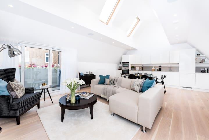 2 Bedroom Duplex With Terraces