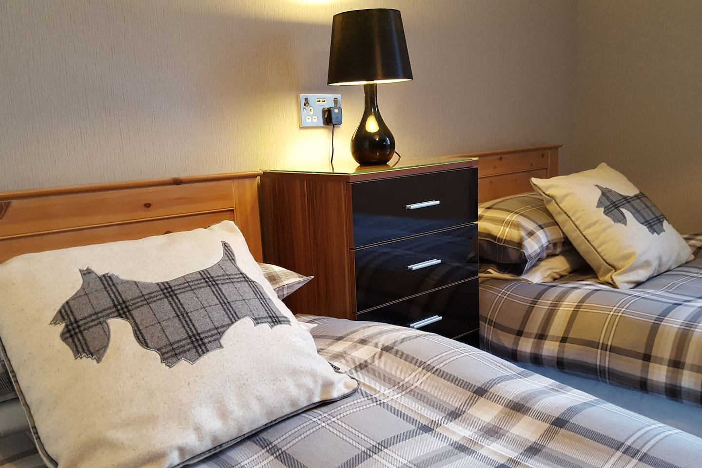Room 2 Gales Guest House - Guesthouses for Rent in Aberdeen City ...