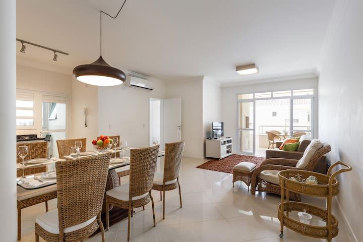 Agradável Apartamento em Jurerê Internacional - Florianópolis