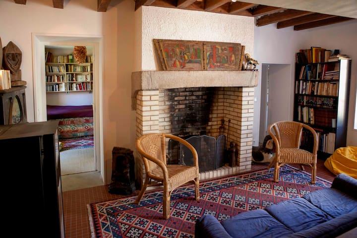 Petite maison dans propriété équestre - Ancinnes - Casa