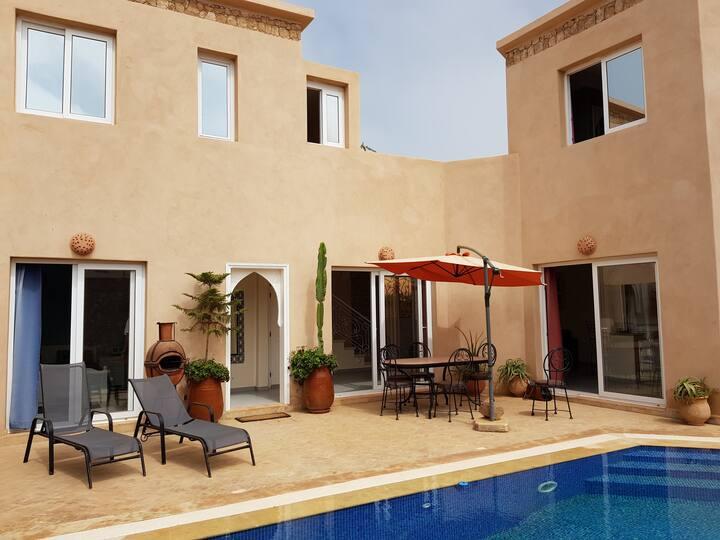Villa mirleft avec piscine