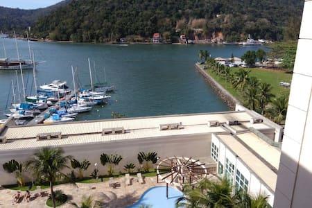 Flat Cob. Porto Marina Montblanc Resort Itacuruçá - Mangaratiba - Huoneisto
