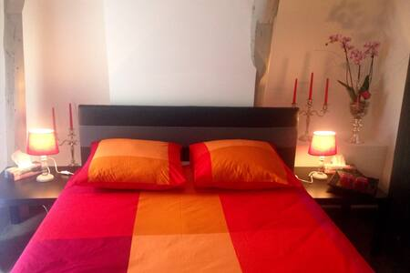 La chambre VENUS chez ALISA & DANIEL - Sarlat-la-Canéda - ที่พักพร้อมอาหารเช้า