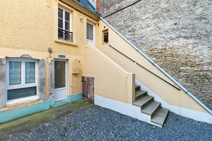 Cozy Apartment in Maisy near Sea