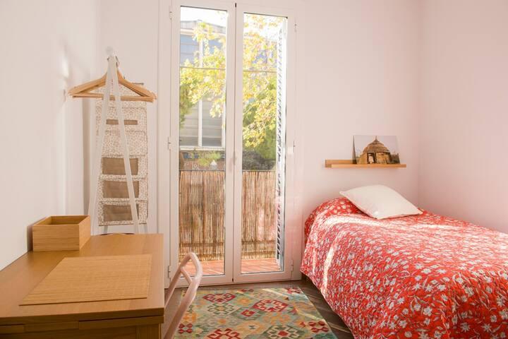 Habitación individual con vistas a Montjuic