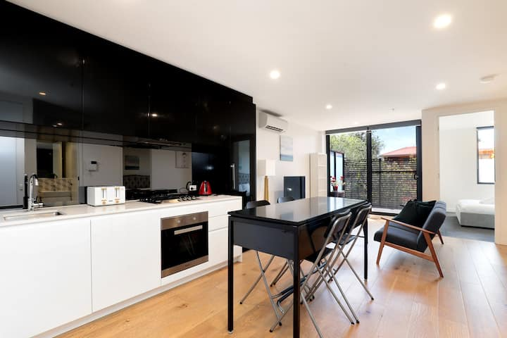 Modern Apartment in the Heart of Hawthorn East