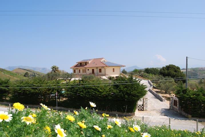 In Sicilia Da Ciro (S) - Vita - Villa