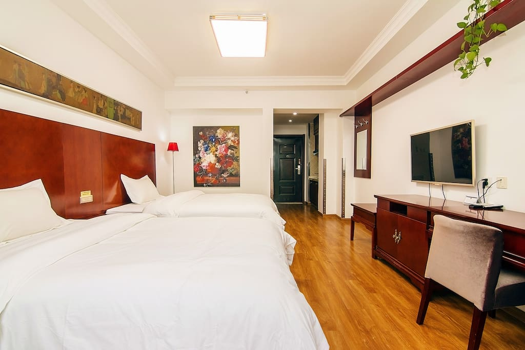 Big Room with comfortable beds