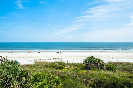 Ocean Views - Need a Staycation? - Aug Promotion!
