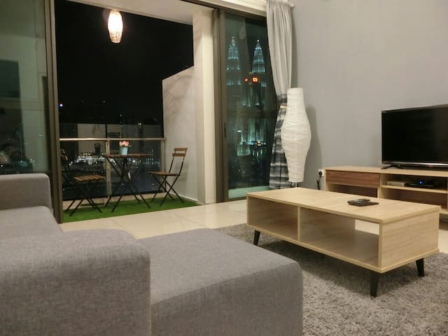 [HOMEY] Valuable 3 Bedrooms Suite with KLCC View