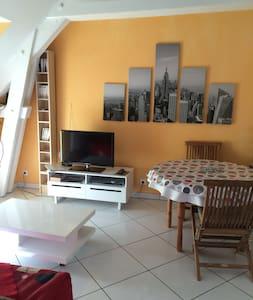 LE CARMELITE - Bréançon - Apartemen