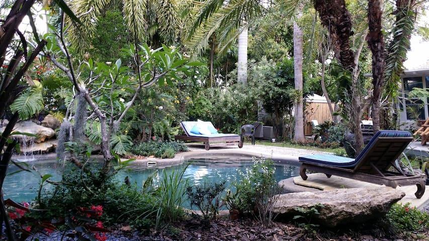 Miami tropical garden loft and pool