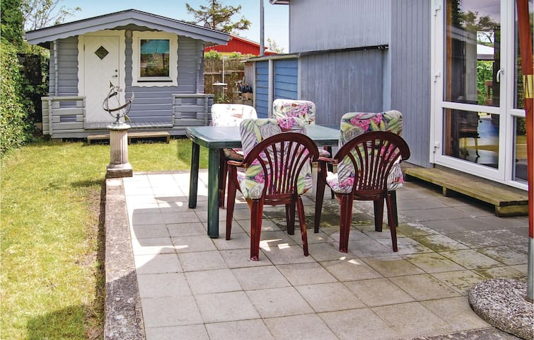 Holiday cottage with 1 bedroom on 59m² in Broager