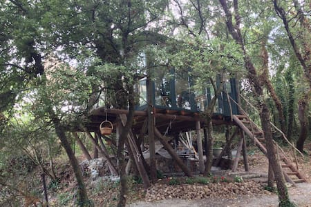 The Tree house in Ano Korakiana - Άνω Κορακιάνα - ツリーハウス