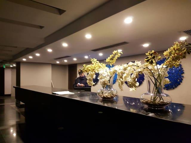 Suite en el piso Penthouse. Diagonal Mall del Sol. - Guayaquil - Apartamento