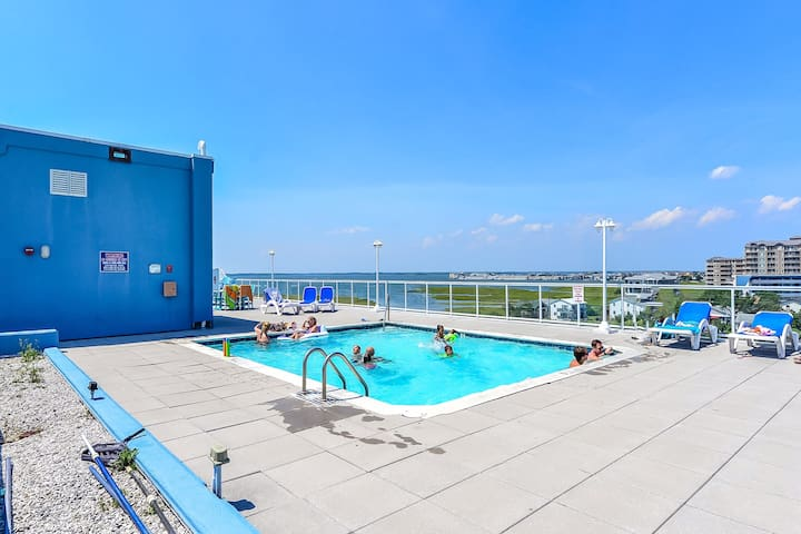 6 bed 5bath/roof top pool/ocean block